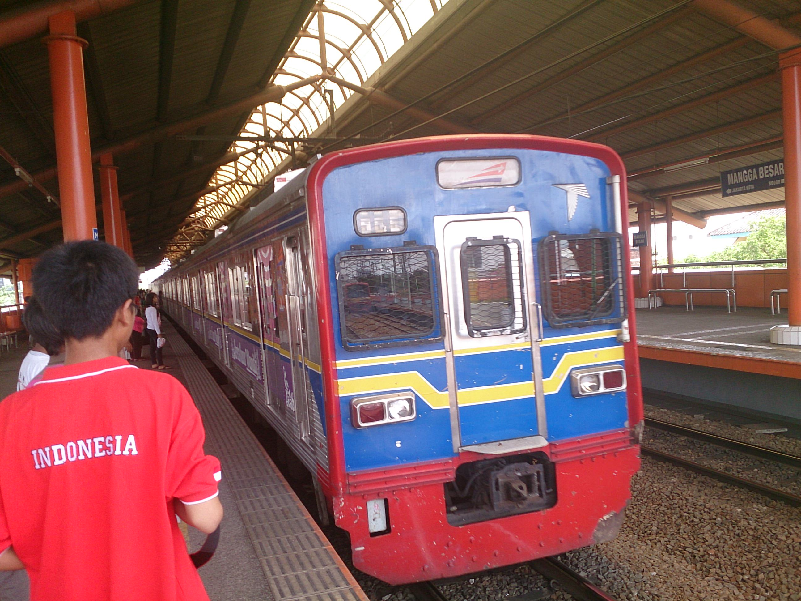 ジャカルタから電車に乗って隣町ボゴールへ