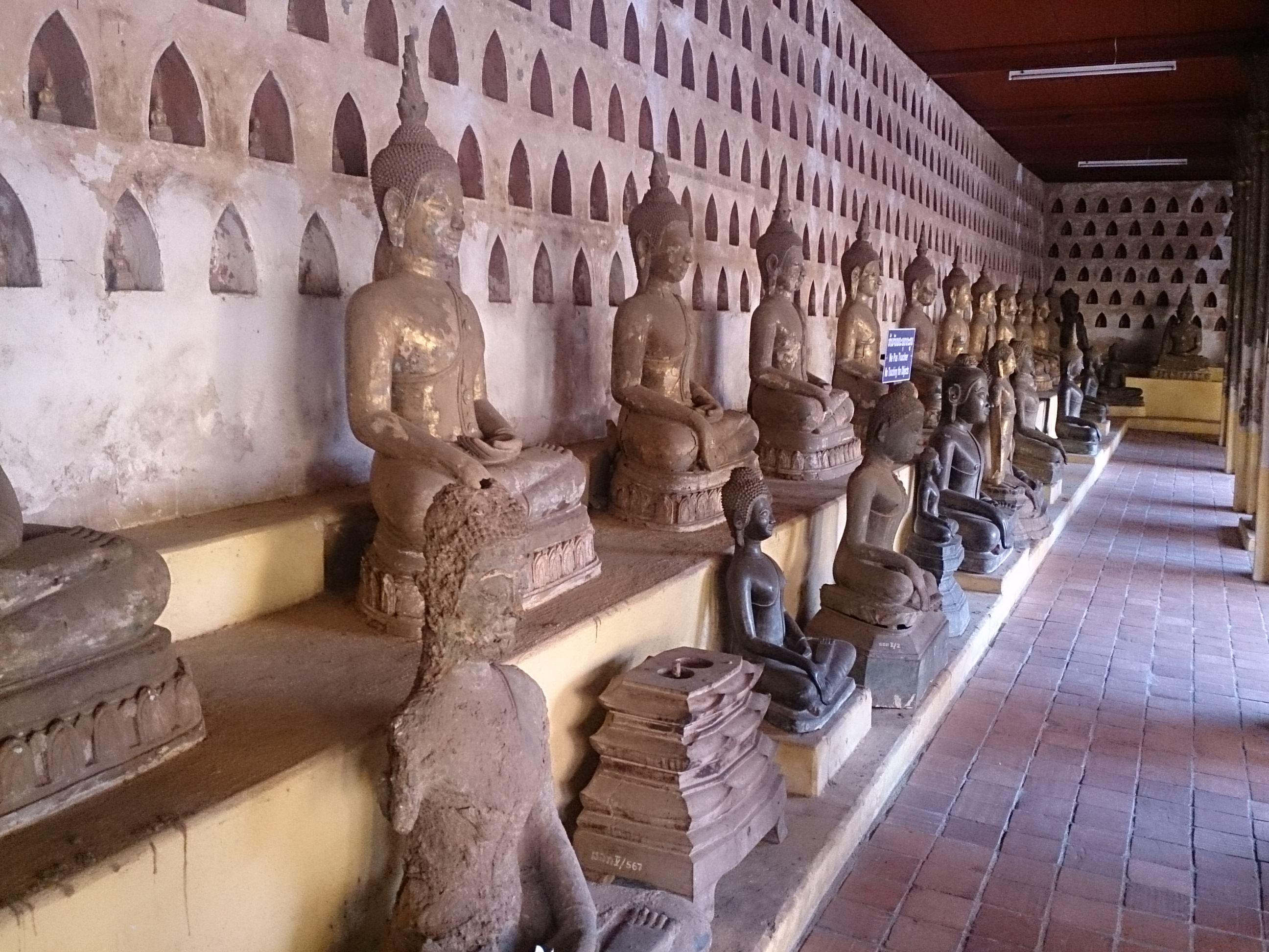 ラオス最古の寺院ワット・シーサケットとワット・ホーパケオ