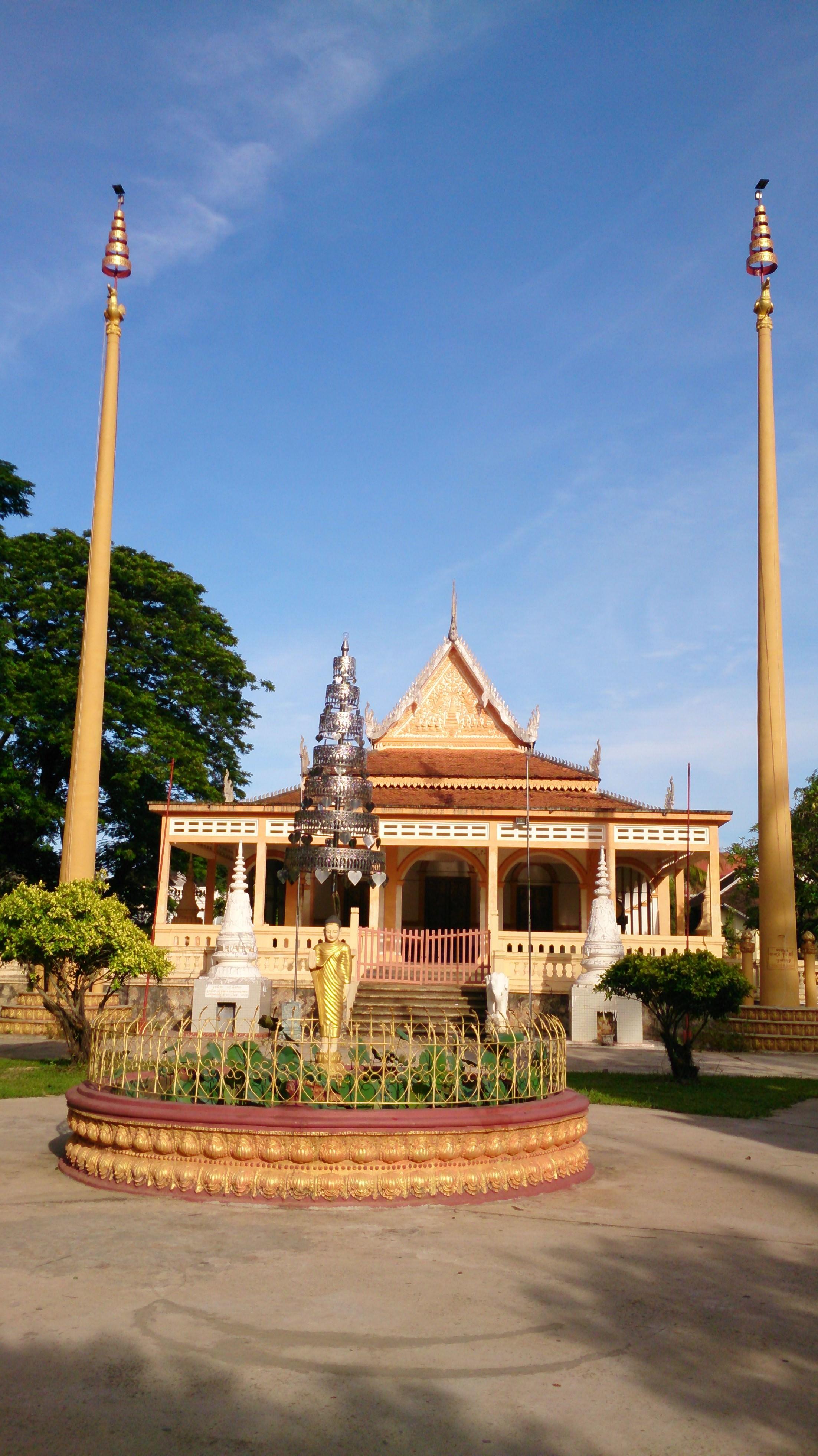 レンタサイクル観光で見るカンボジアの宗教観