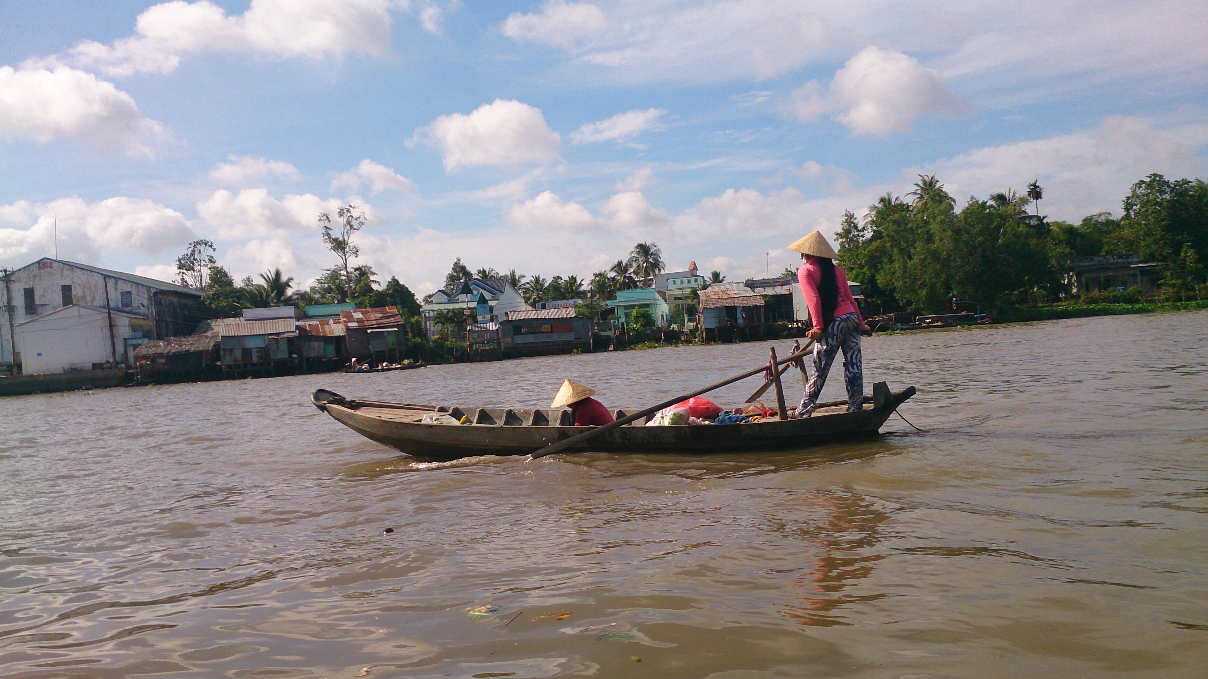 船行き交う水の都・カントーのカイラン水上マーケットに見るメコンの生活