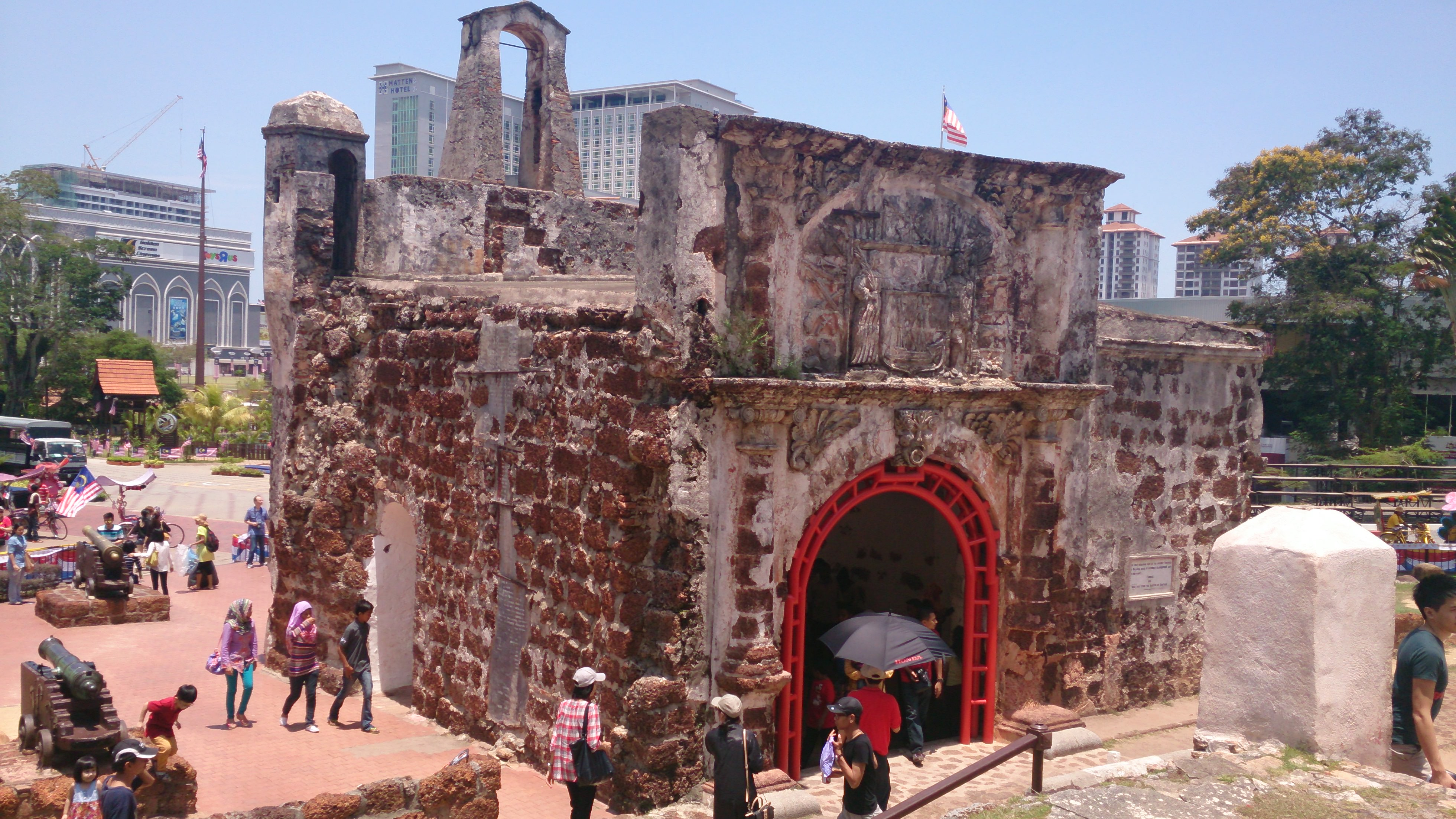 サンチャゴ要塞とマラッカ王宮博物館でマラッカの歴史に触れる