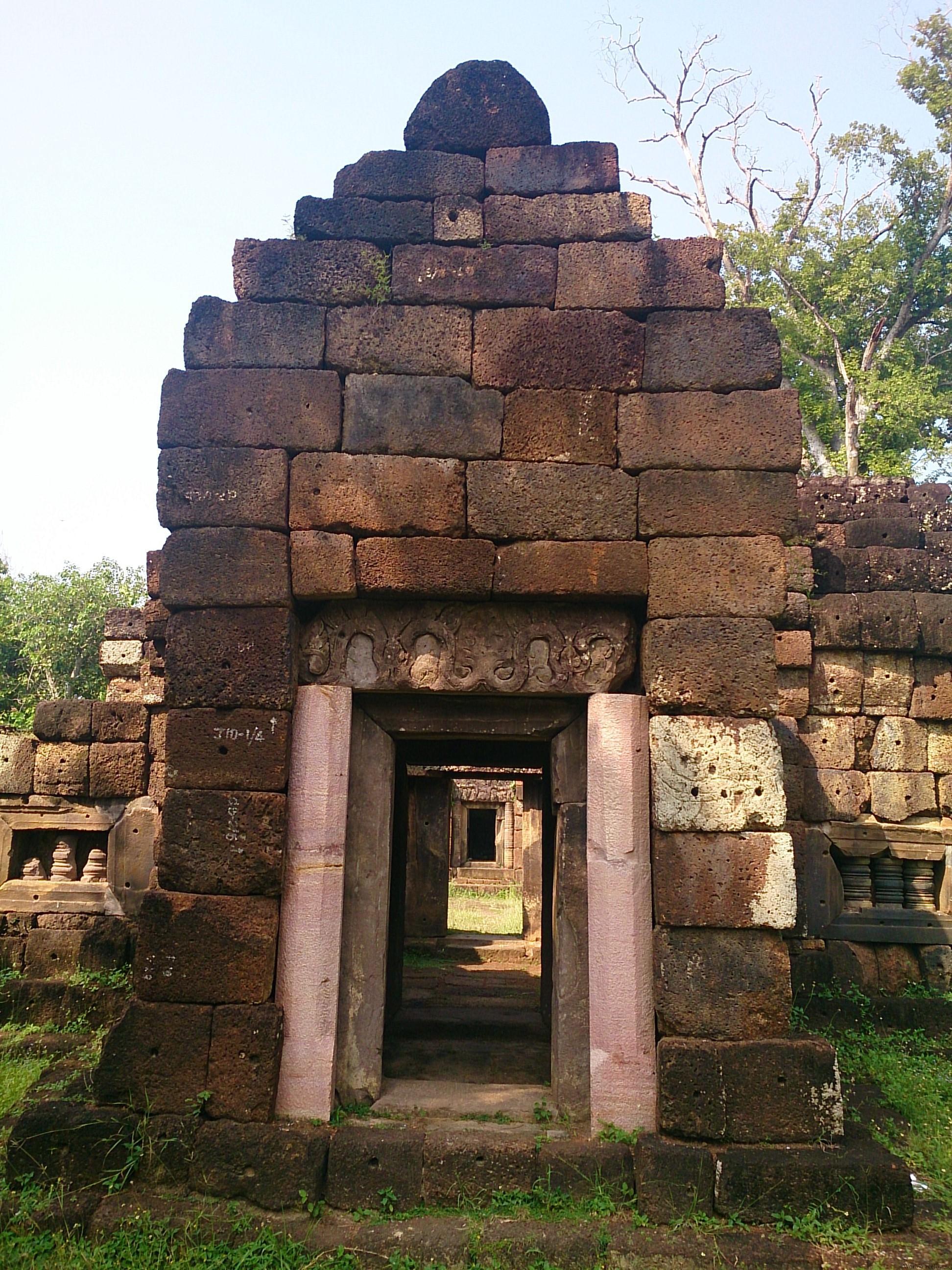 クメール最強王ジャヤバルマン7世の栄光の跡 サ・カンペーン・ノーイ遺跡