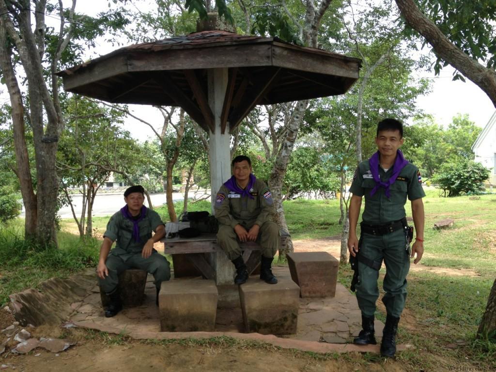 国境紛争地帯の世界遺産カオ・プラ・ウィハーン
