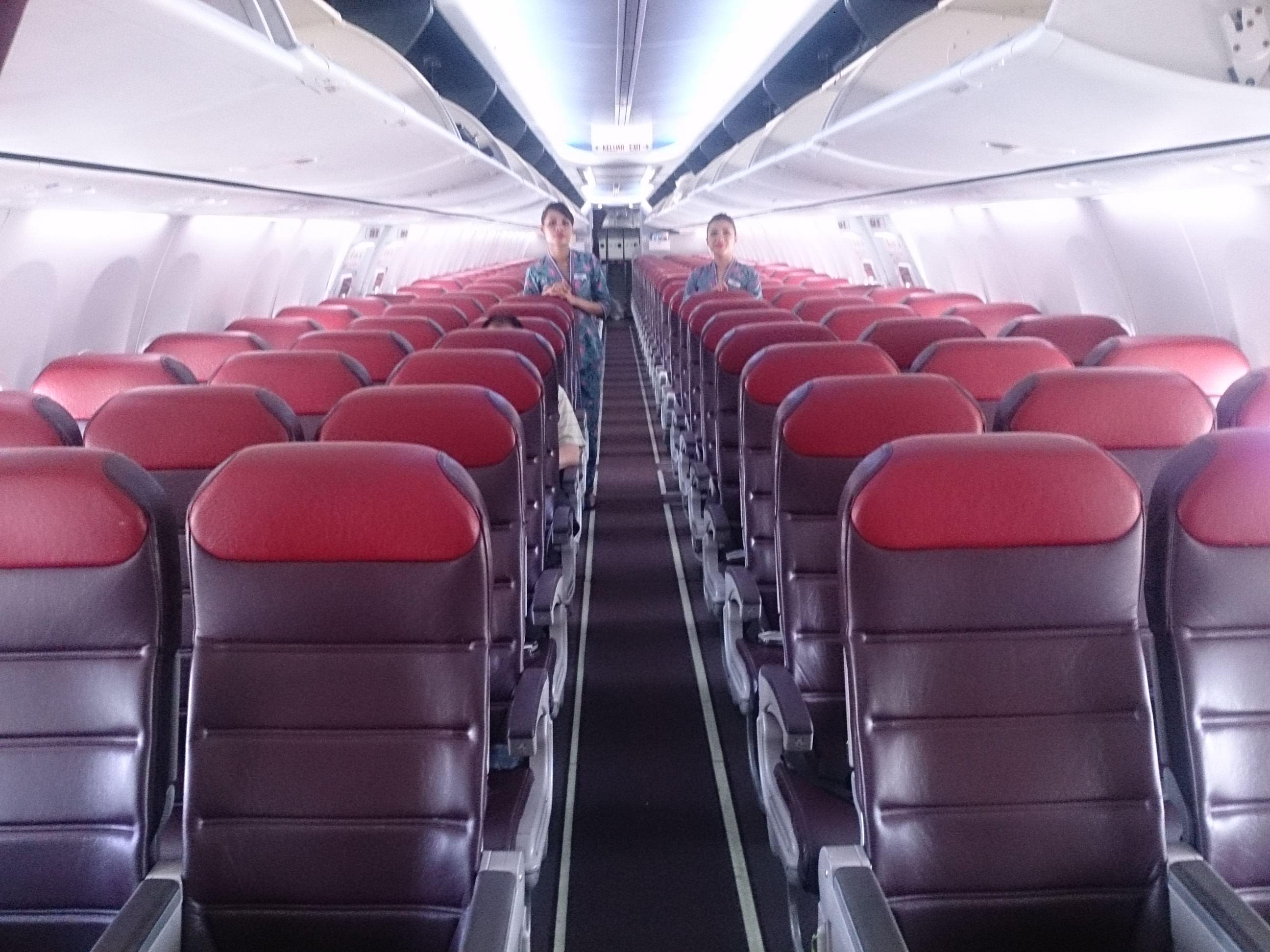 シンガポール-クアラルンプール マレーシア航空ビジネスクラス B737-800 MH0614