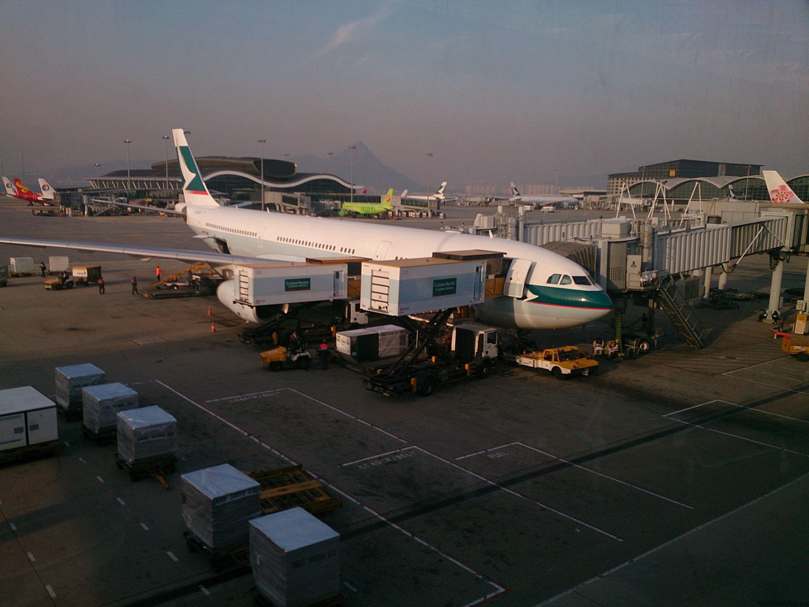 CX765 HKG→SGN エコノミークラス