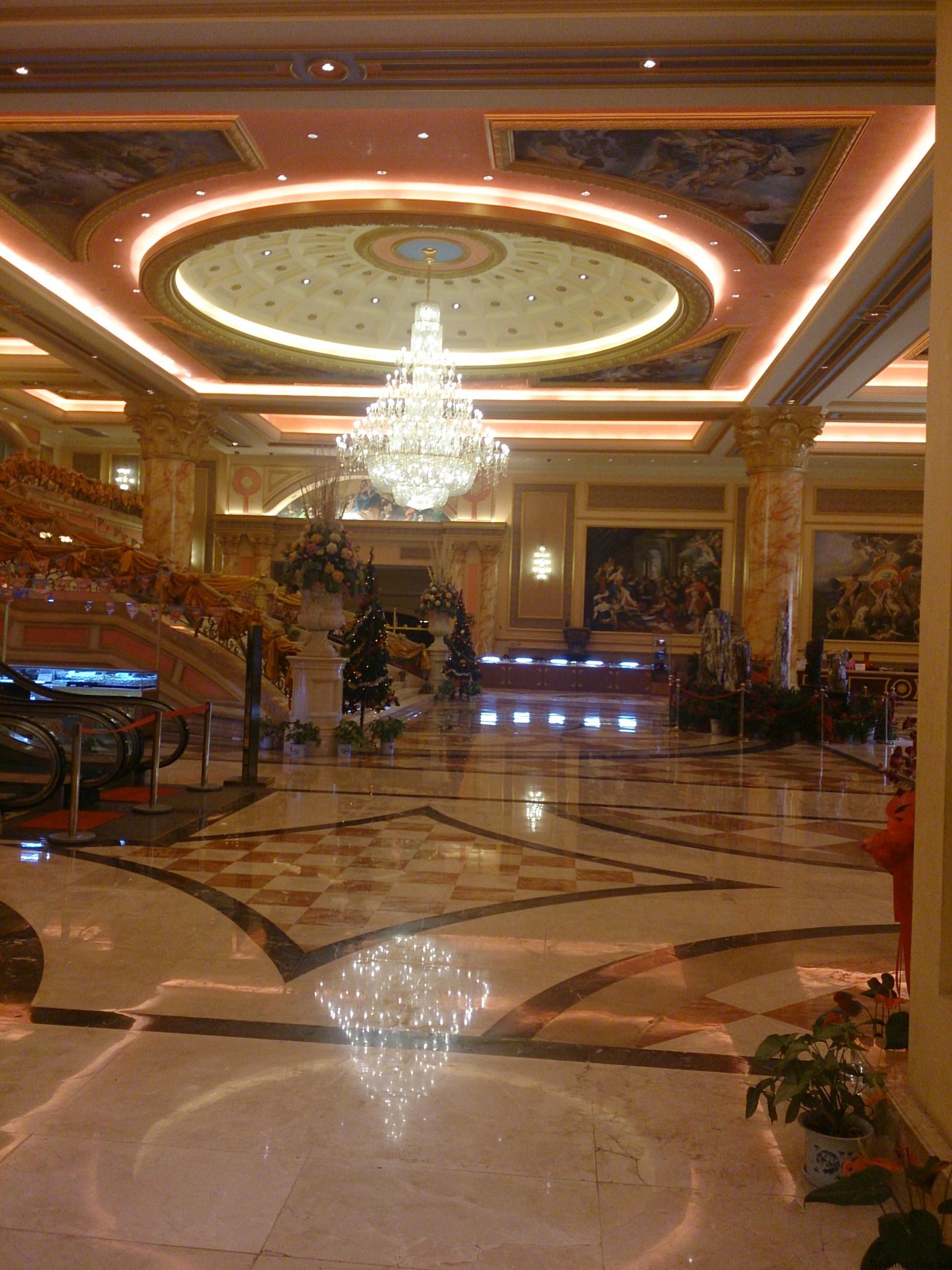 ラオスの大地に建つ中国資本のカジノリゾート