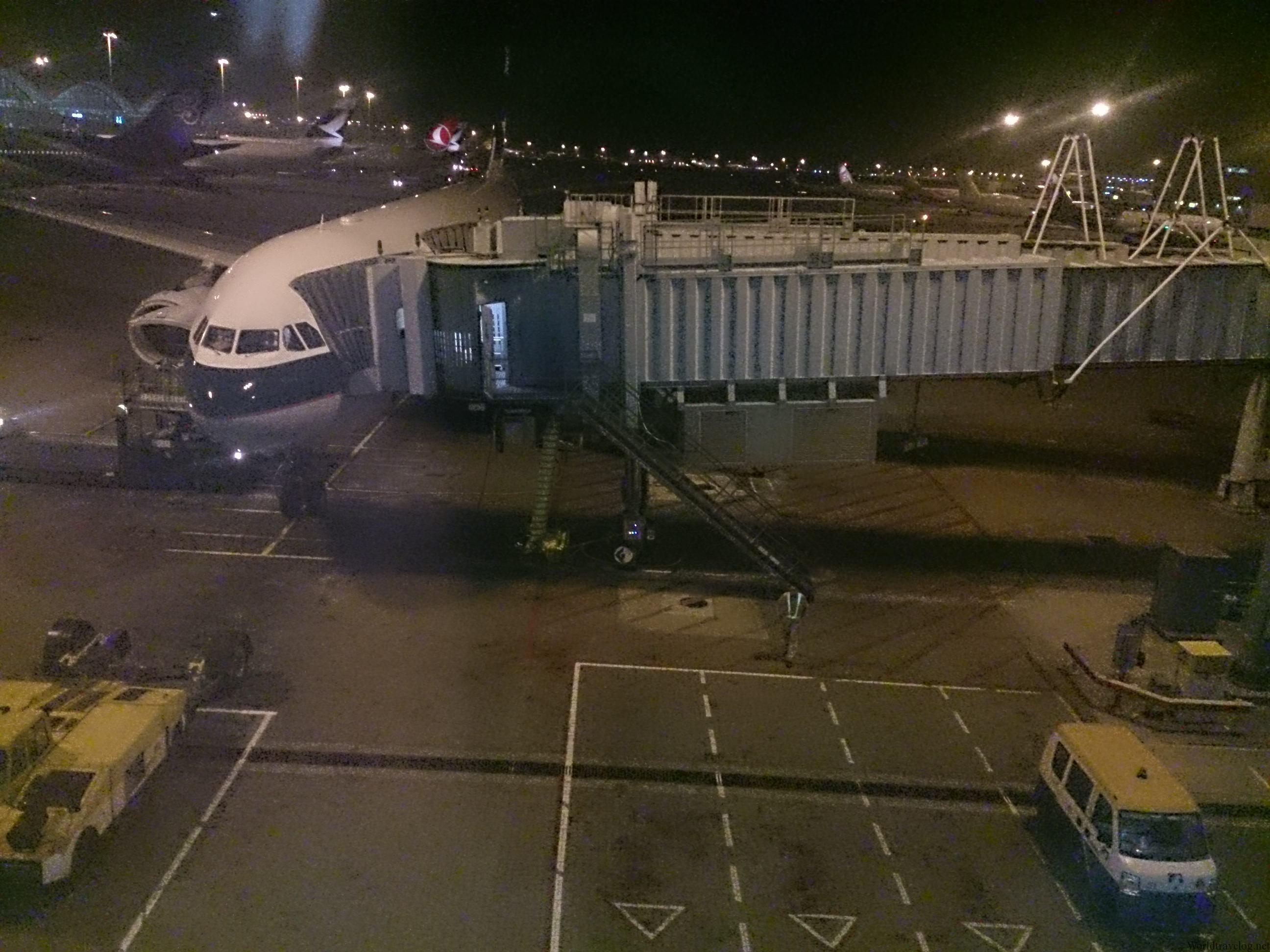 深夜便 CX753でジャカルタへ