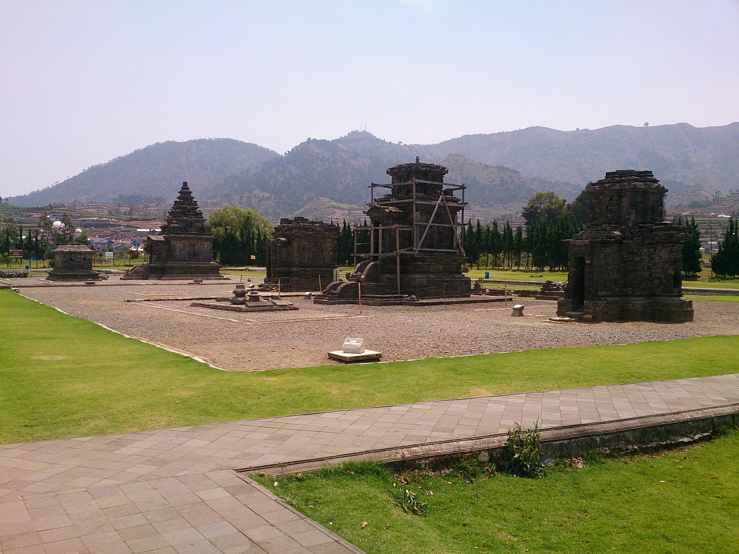 神々の聖所に残るヒンドゥーの聖地跡・アルジュナ遺跡