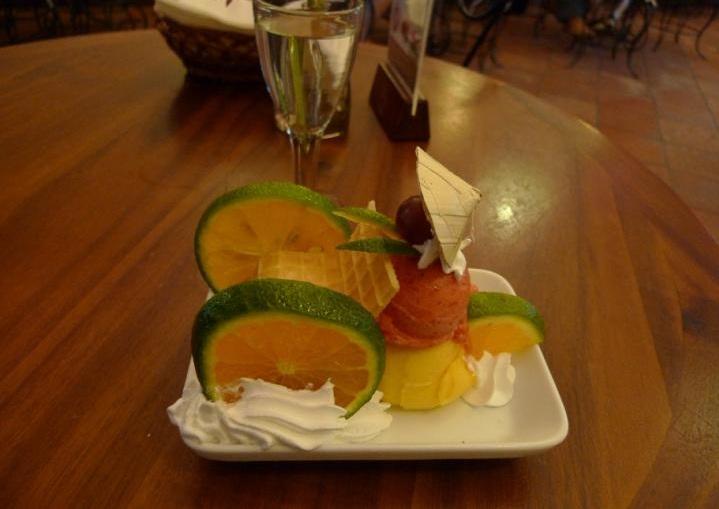 Fanny ベトナムのアイスクリームパーラー