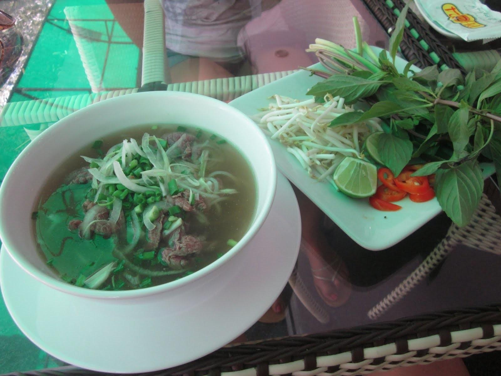 ベトナムの国民食・フォーを本場のチェーン店で食してみる
