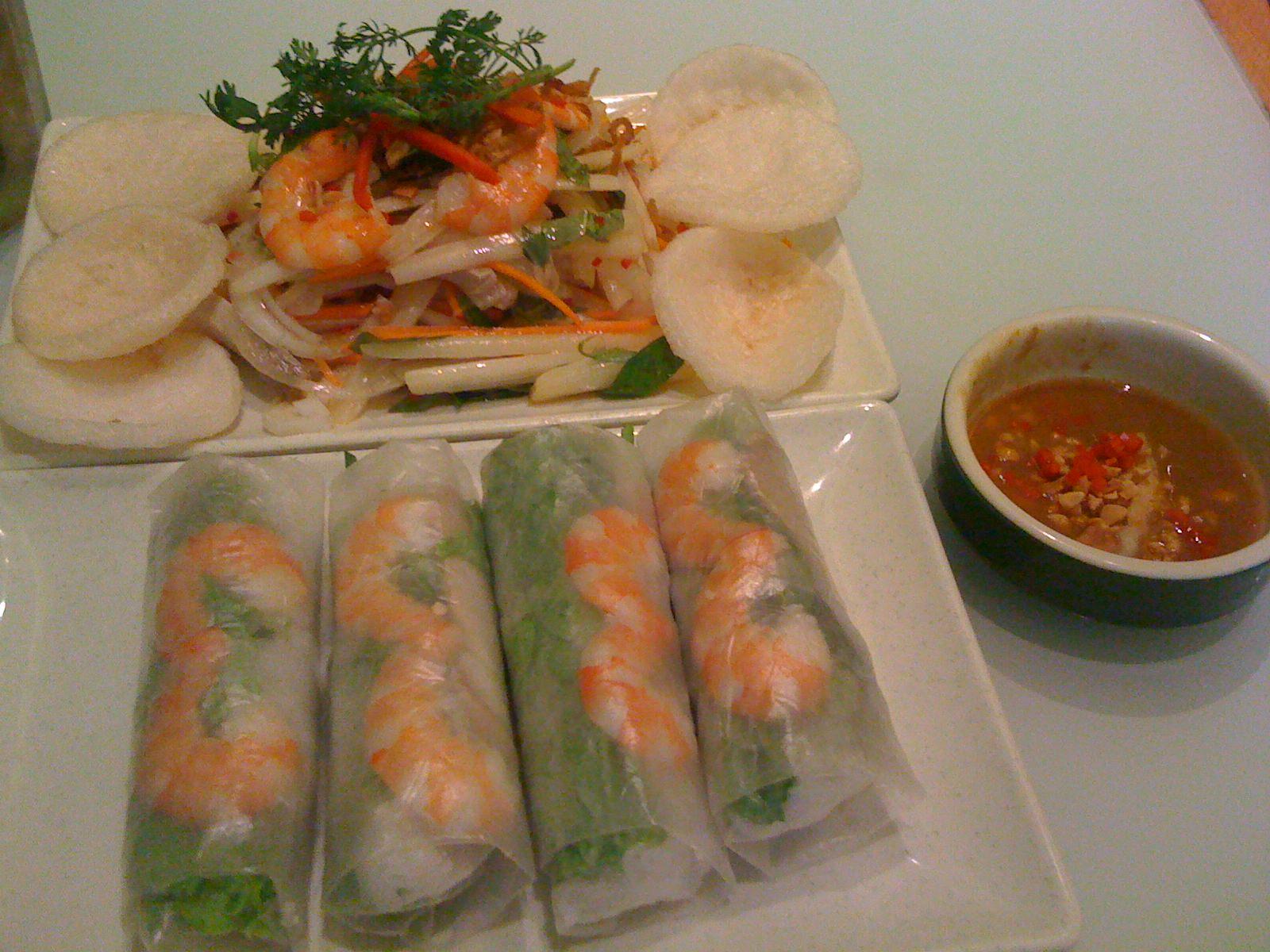 ベトナムの手軽な春巻きチェーン店 Wrap n Roll