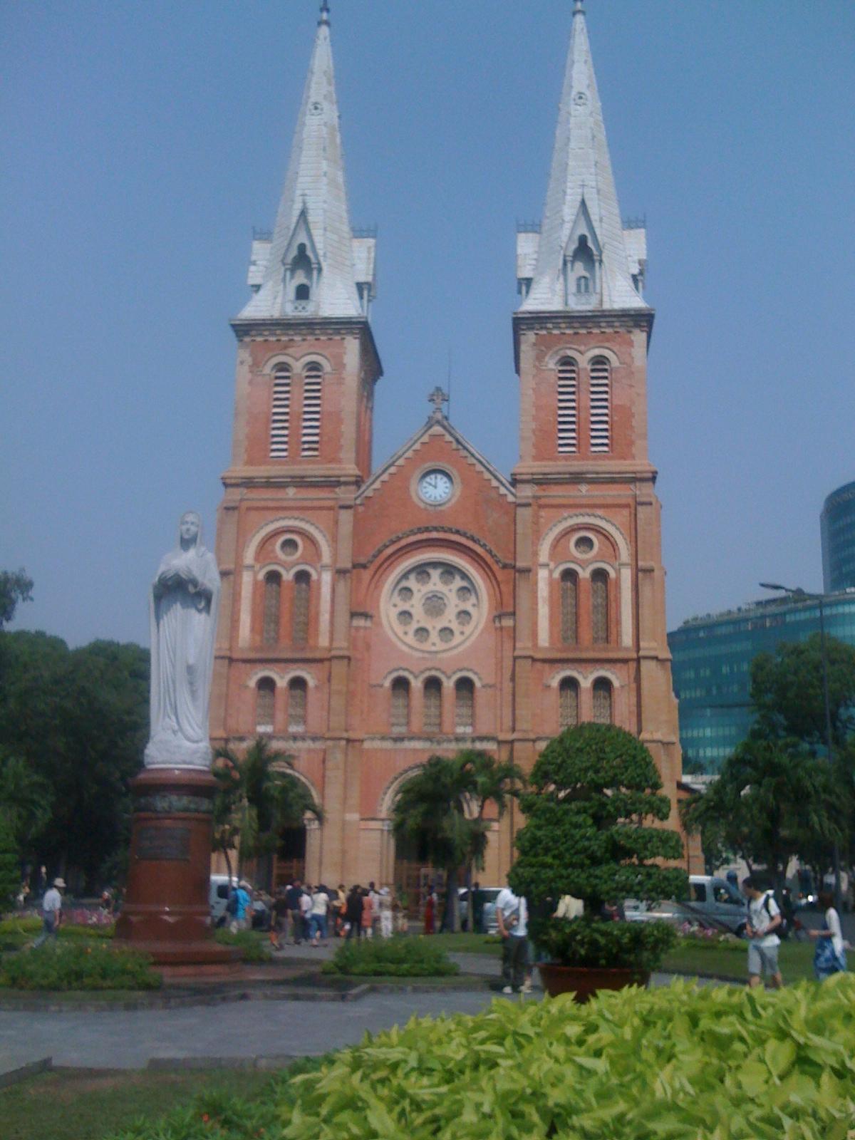 サイゴンに響く鐘の音・聖マリア教会