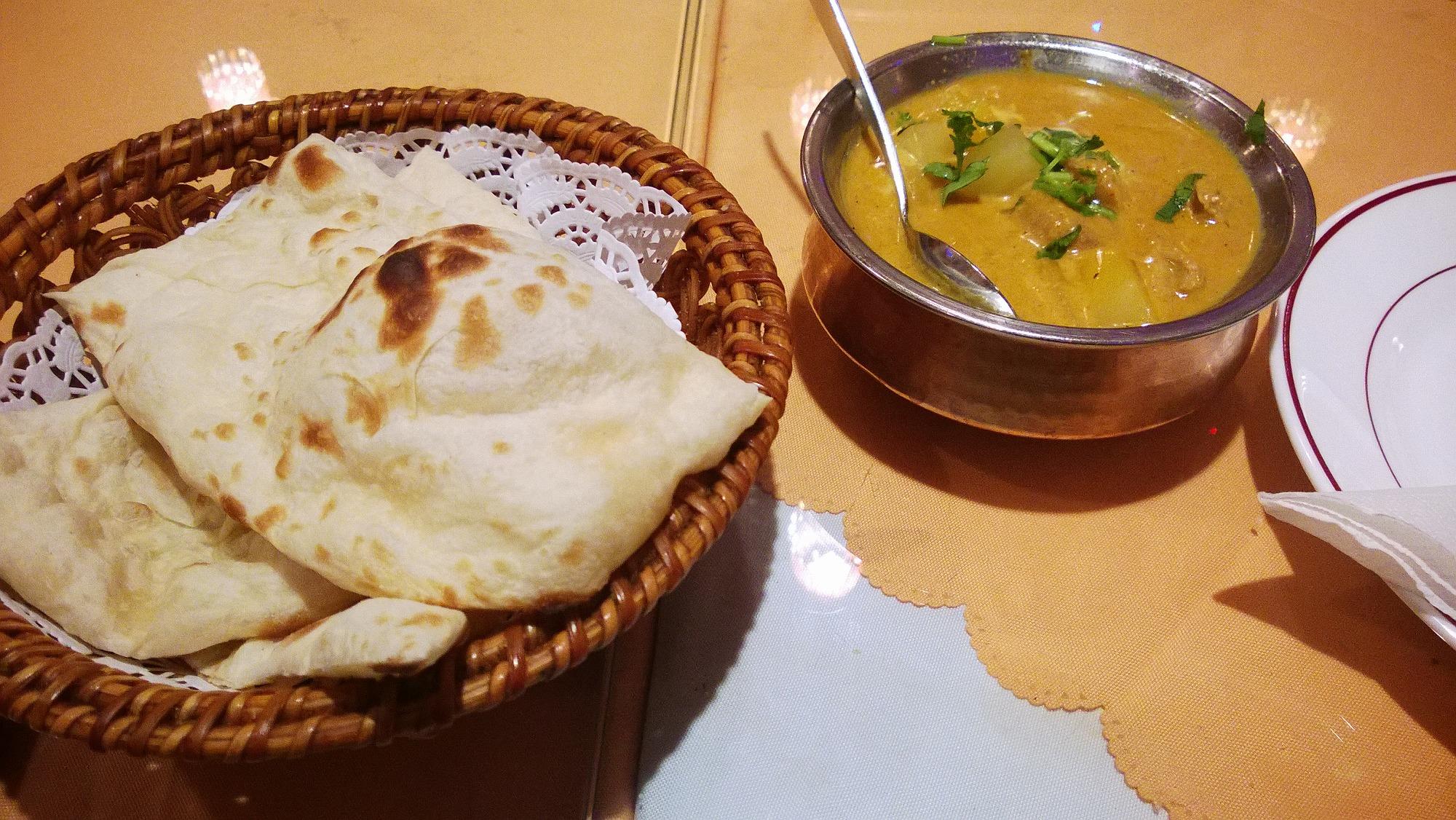 重慶マンションでインド料理を食す