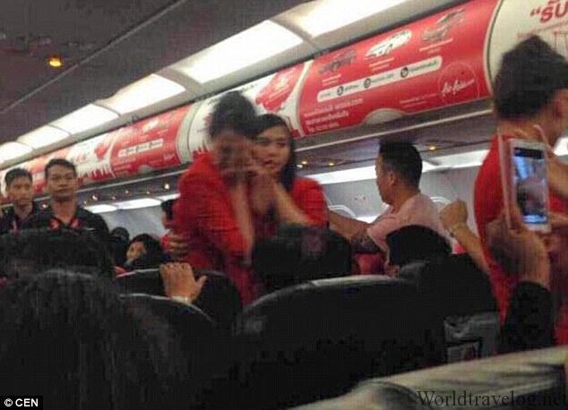 CX543雑記と中国人乗客による珍事件集