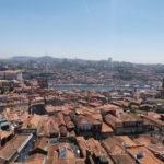 クレリゴス教会の鐘楼からノスタルジックなポルトの町を一望する